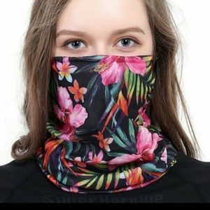 Accessories - NEW FACIAL MASK FLORAL UNOPENED PACKAGE MULTI USE